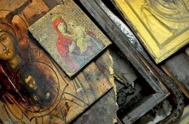 Митрополит Донецкий призвал Порошенко остановить грабежи монастырей