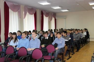 Студенты-железнодорожники знакомятся с православием