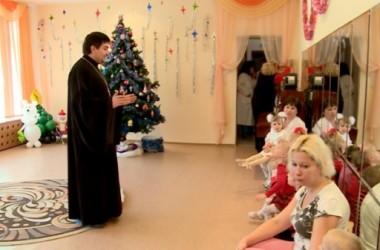 Епархиальный отдел социального служения посетил дом ребенка