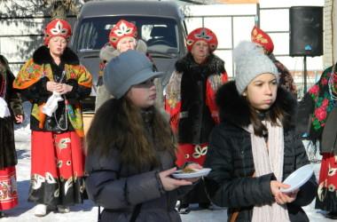 Традиционные масленичные гуляния были организованы епархиальным отделом социального служения и благотворительности