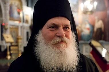 Старец Ефрем Ватопедский: Прошу украинский народ держаться канонической Церкви