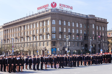 В Волгограде впервые состоялся парад кадетских классов