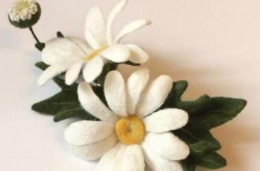 Мастерская-студия «Конкордия» приглашает на занятие по изготовлению цветов из шерсти.