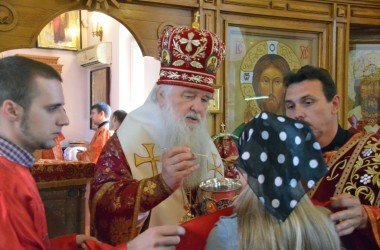 Божественная литургия в храме священномученика Иосифа Астраханского (24 мая 2015 года)