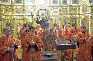 Всенощное бдение в Казанском соборе, где пребывает рака с мощам великомученика Георгия Победоносца