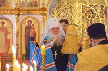 Божественная литургия в Свято-Никольском храме (22 мая 2015 года)