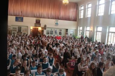 Воскресная школа «Вдохновение» храма Святого праведного Иоанна Кронштадтского приняла участие в фестивале «Пасхальный Хоровой собор-2015».