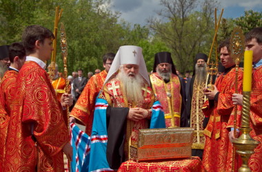В Волгоград прибыла десница великомученика Георгия Победоносца