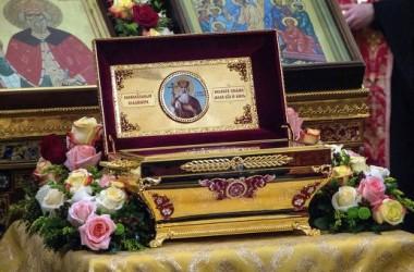 Мощам князя Владимира уже поклонились около 100 тысяч верующих