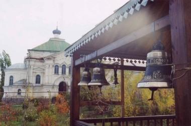 Приглашаем молодежь помочь Дубовскому Свято-Вознесенскому женскому монастырю
