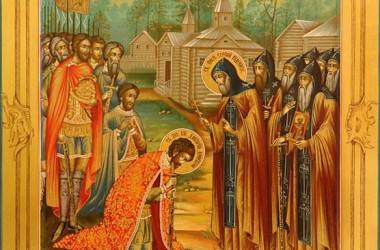 Священники побеседовали с солдатами срочной службы о подвиге русских святых