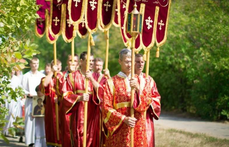 В день памяти жертв массированной бомбардировки Сталинграда в благочинии Северного округа состоялся крестный ход