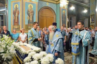 В канун праздника Успения Пресвятой Богородицы митрополит Волгоградский и Камышинский Герман совершил Всенощное бдение в Казанском соборе