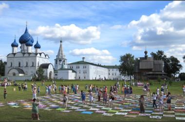 Мастерицы Семейного центра при Никольском кафедральном соборе г. Камышина приняли участие в международном фестивале лоскутного шитья