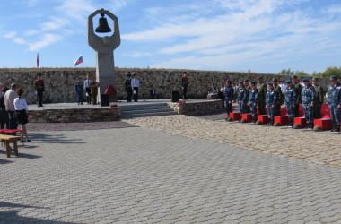 На Россошинском военно-мемориальном кладбище захоронили останки советских воинов