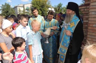 Для учеников и педагогов города Урюпинска состоялся молебен на начало учебного года