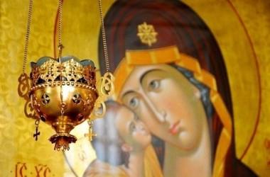 В День российского казачества в Иоанно-Предтеченском храме состоялся молебен Пресвятой Богородице