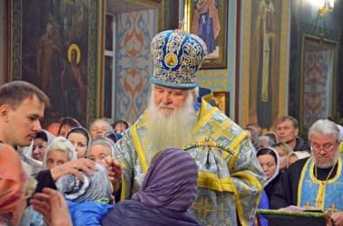 В канун праздника Покрова Пресвятой Богородицы митрополит Волгоградский и Камышинский Герман совершил Всенощное бдение в Казанском соборе
