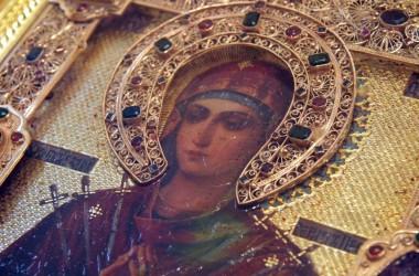 Чудотворная икона Пресвятой Богородицы «Умягчение злых сердец» пребывает в Казанском соборе