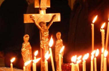Память жертв политических репрессий молитвенно почтили в волгоградских храмах