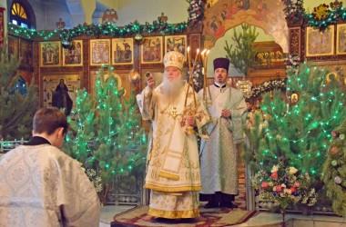 Митрополит Волгоградский и Камышинский Герман совершил Божественную литургию в Свято-Духовом монастыре