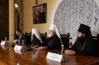 Состоялась пресс-конференция по итогам Архиерейского Собора