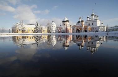 Игумен Сергий (Куксов), настоятель Вознесенской пустыни: » Нам нужны люди, которые не уходят в монастырь, а приходят сюда»