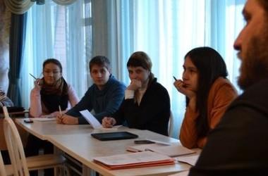 Начал свою работу зимний епархиальный семинар для молодёжи