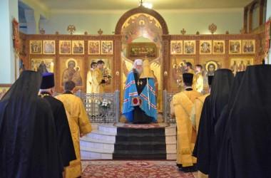 Митрополит Волгоградский и Камышинский Герман четырнадцатого февраля совершил Божественную литургию в Свято-Духовом монастыре