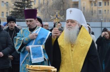 Митрополит Волгоградский и Камышинский Герман совершил молебен перед началом строительства Александро-Невского собора