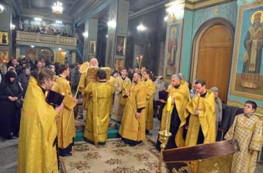 Двенадцатого марта митрополит Волгоградский и Камышинский Герман совершил Всенощное бдение в Казанском соборе
