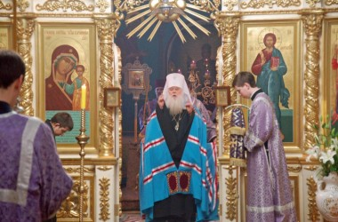 В канун праздника Торжества Православия митрополит Волгоградский и Камышинский Герман совершил Всенощное бдение в Казанском соборе