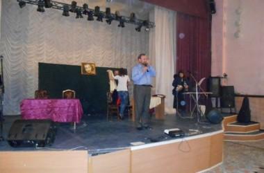 Православный духовно-патриотический театр песни имени Игоря Талькова показал спектакль для заключенных Исправительной колонии №26