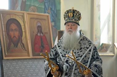 8 апреля митрополит Волгоградский и Камышинский Герман совершил Литургию Преждеосвященных Даров в храме вмц. Параскевы