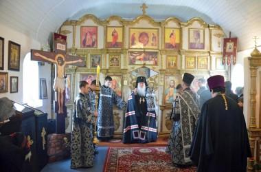 В Великий Понедельник митрополит Волгоградский и Камышинский Герман совершил Литургию Преждеосвященных Даров
