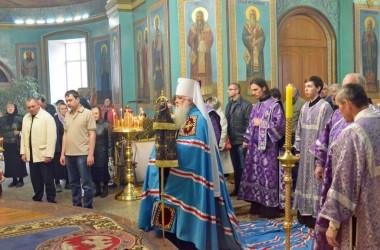 В Неделю 5-ю Великого поста митрополит Волгоградский и Камышинский Герман совершил Божественную литургию в Казанском соборе