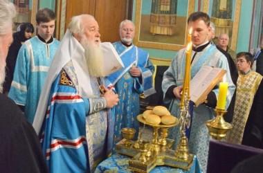 В канун праздника Благовещения Пресвятой Богородицы митрополит Волгоградский и Камышинский Герман совершил Всенощное бдение