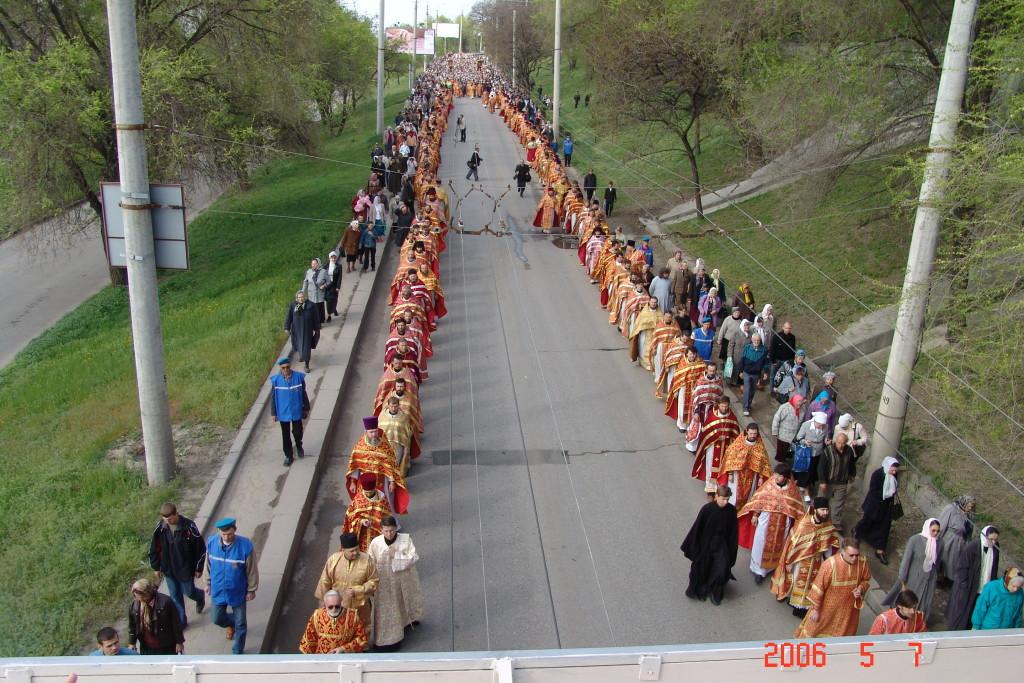 Крестный ход на 15-летие Волгоградской епархии