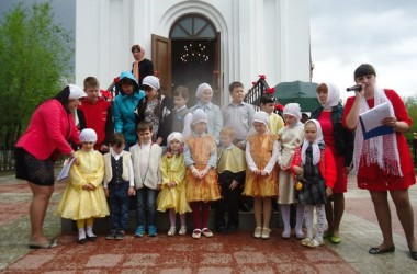Пасхальный приходской праздник прошел в храме адмирала Феодора Ушакова