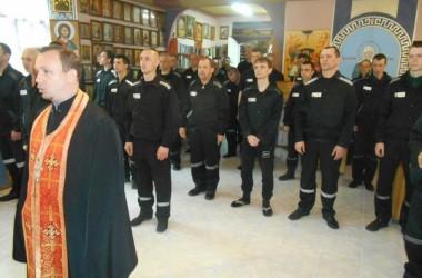 В праздник Пасхи заключенные ИК-26 побывали на богослужении