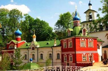 В августе состоится молодежная поездка в Псково-Печерский монастырь