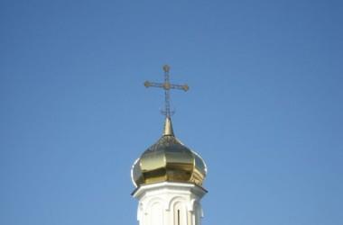 Установлены купола на Свято-Троицкий храм в Камышине
