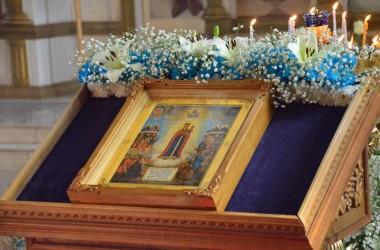 Божественная литургия в день празднования иконе Пресвятой Богородице «Всех скорбящих Радость»