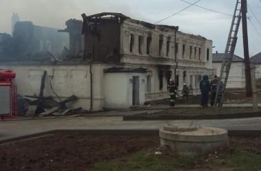 В результате пожара в Дубовском Свято-Вознесенском монастыре уничтожен паломнический корпус