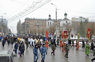 Священник Андрей Горячев рассказал волгоградцам в эфире ВГТРК о празднике Крещения Господня