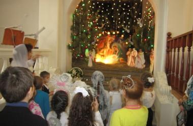 Праздничные песнопения прозвучали в исполнении юных участников Рождественского хорового собора «Мы маленькие свечи»