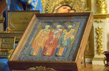 Волгоградцы смогут поклониться частицам мощей трех святителей и Матроны Московской