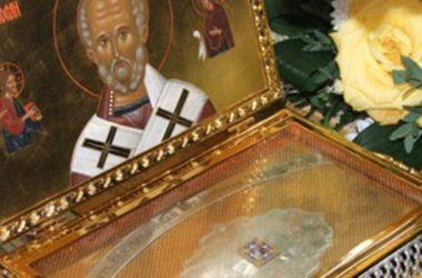 В.Р. Легойда: Зачем стоять в очереди к мощам святителя Николая?