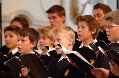 Более тысячи волгоградских школьников примут участие в Пасхальном хоровом соборе