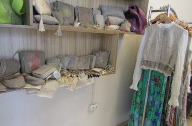 Ход конем с льняным хвостом: производство дизайнерской одежды развивают в монастыре под Волгоградом
